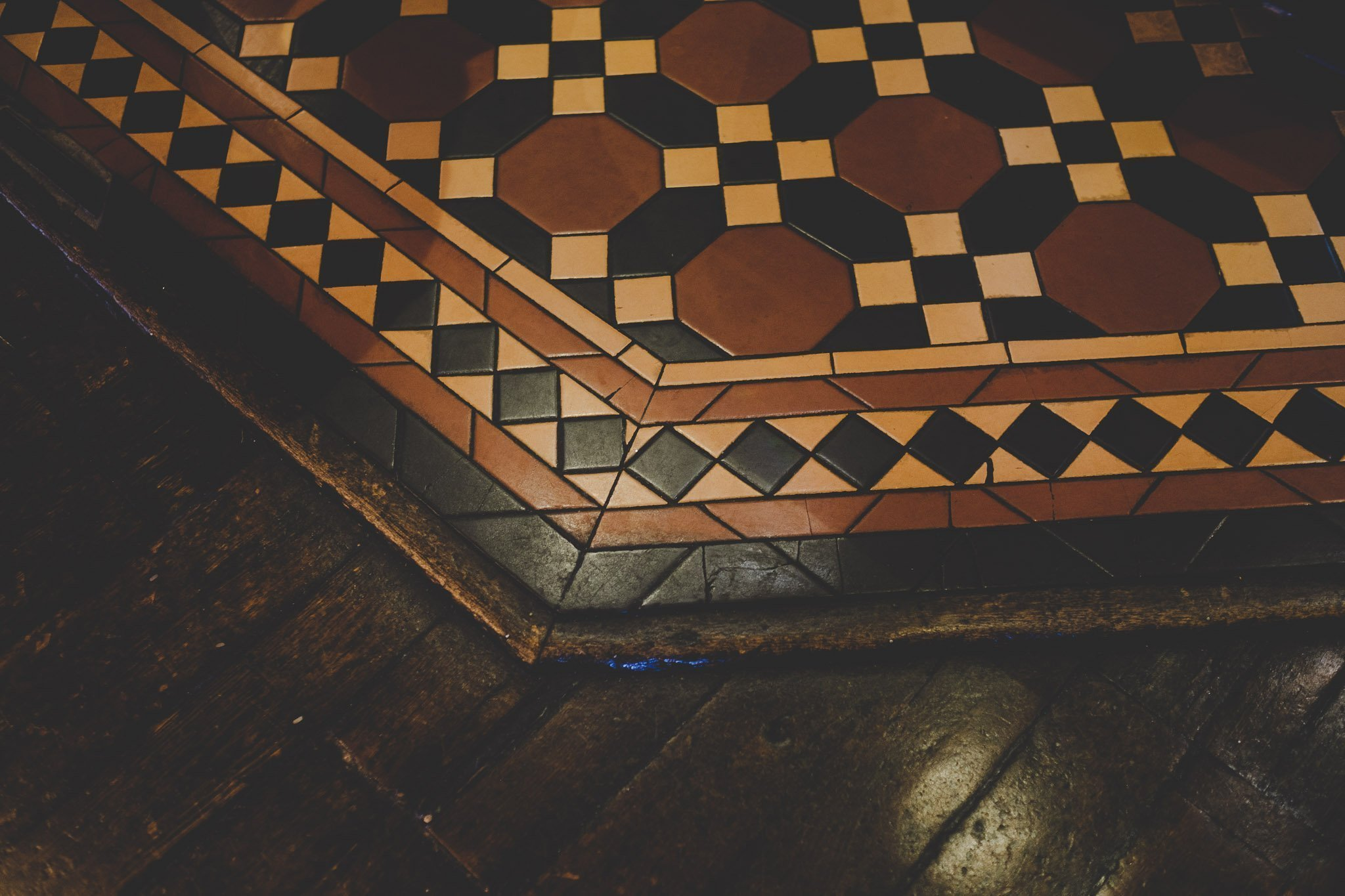 Tiled floor at The Marquis Cornwallis Pub in Bloomsbury London. Photography by thatthingyoupluck.